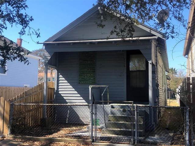 1109 31st Street, Galveston, TX 77550 (MLS #50640906) :: My BCS Home Real Estate Group