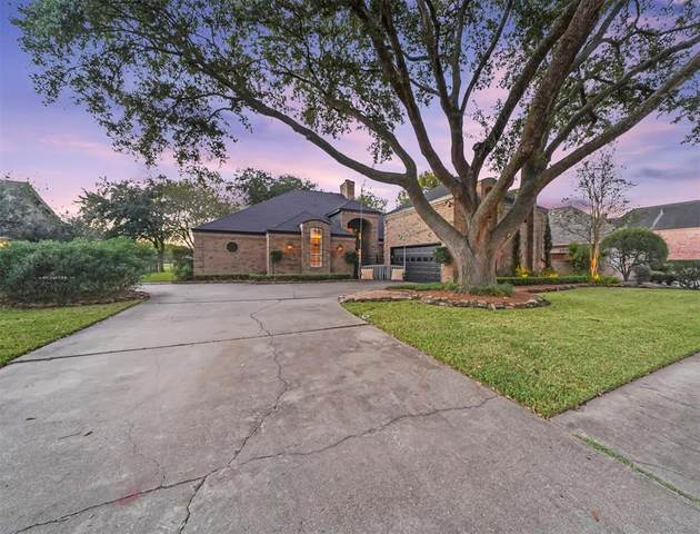 2210 Green Tee Dr Drive, Pearland, TX 77581 (MLS #5066954) :: Lerner Realty Solutions