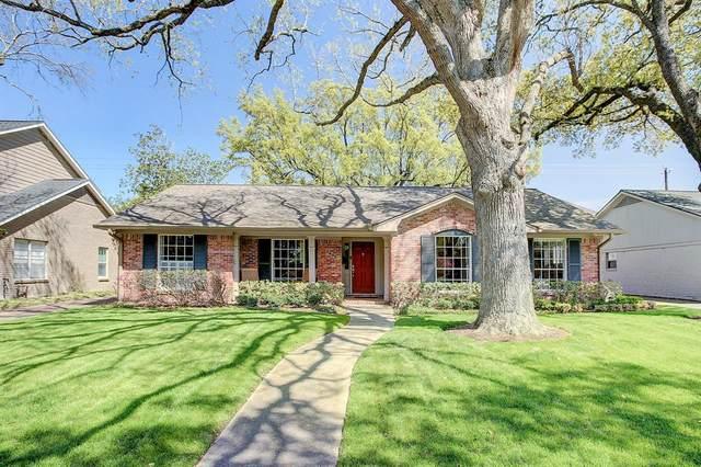 2403 Briarmead Drive, Houston, TX 77057 (MLS #50685870) :: TEXdot Realtors, Inc.