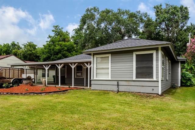 517 Evans Street, Angleton, TX 77515 (MLS #50994620) :: The Heyl Group at Keller Williams