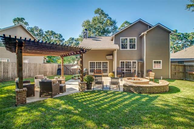 214 Clear Water Street E, Montgomery, TX 77356 (MLS #51000215) :: NewHomePrograms.com