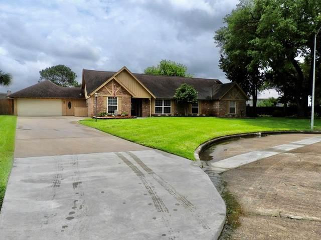 18515 Vinland Drive, Nassau Bay, TX 77058 (MLS #5149084) :: Ellison Real Estate Team