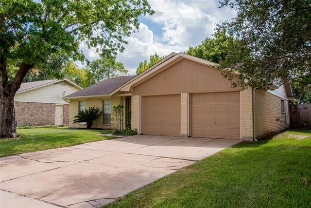 16214 La Avenida Drive, Houston, TX 77062 (MLS #51594863) :: The Freund Group