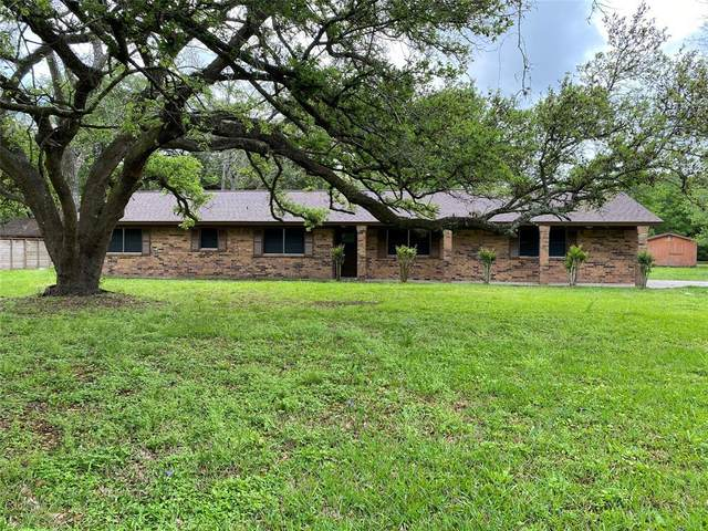 755 County Road 698, Angleton, TX 77515 (MLS #51873314) :: Lisa Marie Group | RE/MAX Grand