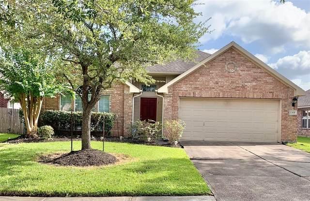 1305 Ocean Manor Lane, League City, TX 77573 (MLS #51937381) :: Rachel Lee Realtor