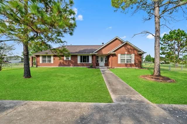 4000 County Road 962, Alvin, TX 77511 (MLS #52026265) :: Texas Home Shop Realty