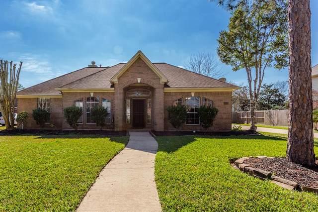 1606 Falcon Ridge Boulevard, Friendswood, TX 77546 (MLS #52063813) :: Ellison Real Estate Team