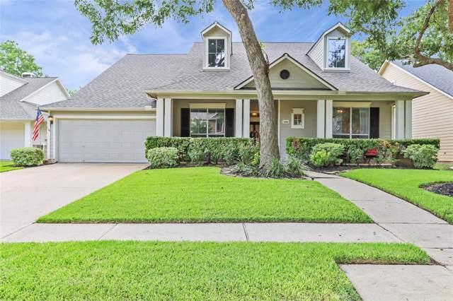 1606 Fairview Drive Drive, Sugar Land, TX 77479 (MLS #52077573) :: The Sansone Group