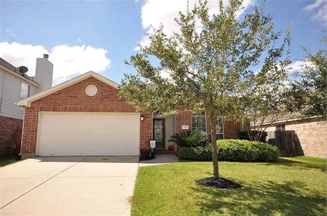 2214 Megellan Point Lane, Pearland, TX 77584 (MLS #52089140) :: Phyllis Foster Real Estate