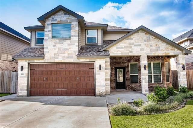 908 Roberts, East Bernard, TX 77435 (MLS #52286837) :: The Home Branch