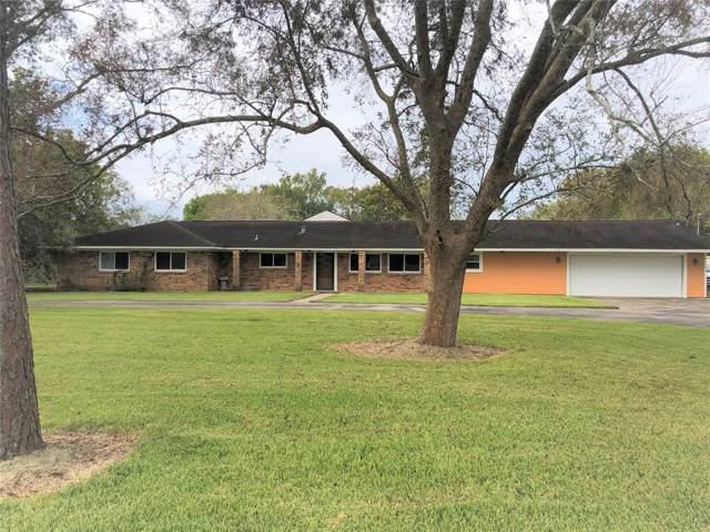 303 County Road 893, Angleton, TX 77515 (MLS #52365439) :: Guevara Backman