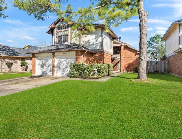 9335 Westacre Place, Houston, TX 77083 (MLS #52404268) :: The Parodi Team at Realty Associates