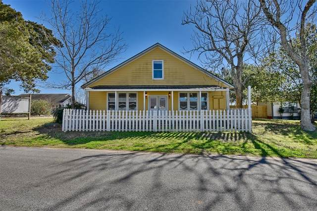 2285 Main Street, Industry, TX 78944 (MLS #52499883) :: The Home Branch