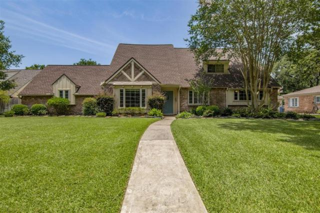 206 Whispering Oaks Drive, Seabrook, TX 77586 (MLS #52533434) :: The Bly Team