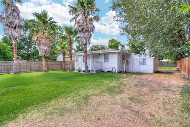 6403 Bramley Drive, Pasadena, TX 77503 (MLS #52622992) :: The SOLD by George Team