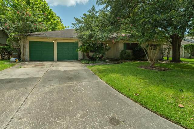 5002 Westwood Drive, Dickinson, TX 77539 (MLS #52623158) :: The SOLD by George Team