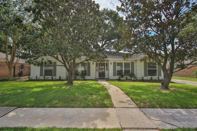 6127 Yarwell Drive, Houston, TX 77096 (MLS #52667500) :: REMAX Space Center - The Bly Team
