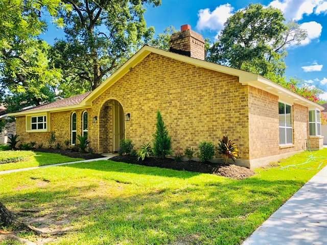 15511 Wandering Trail, Friendswood, TX 77546 (MLS #52702805) :: Michele Harmon Team