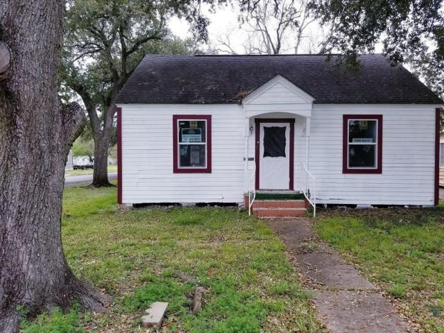 940 Rosedale Drive, Port Arthur, TX 77642 (MLS #52703788) :: Texas Home Shop Realty