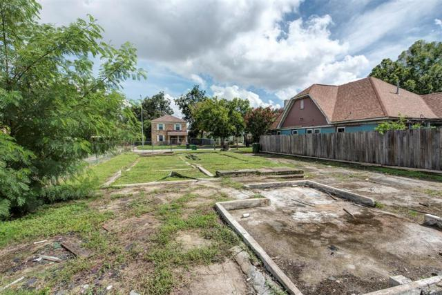 2906 Barbee, Houston, TX 77004 (MLS #52861124) :: The SOLD by George Team