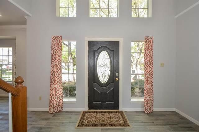 14703 El Tesoro Dr Drive, Houston, TX 77083 (MLS #52959649) :: Homemax Properties