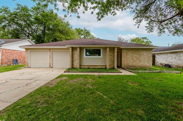 220 Englewood Drive, League City, TX 77573 (MLS #52976134) :: Green Residential