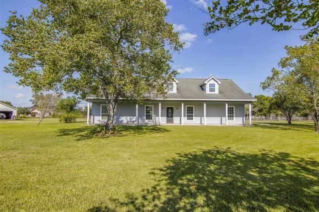 2819 County Road 48, Rosharon, TX 77583 (MLS #52977034) :: NewHomePrograms.com LLC