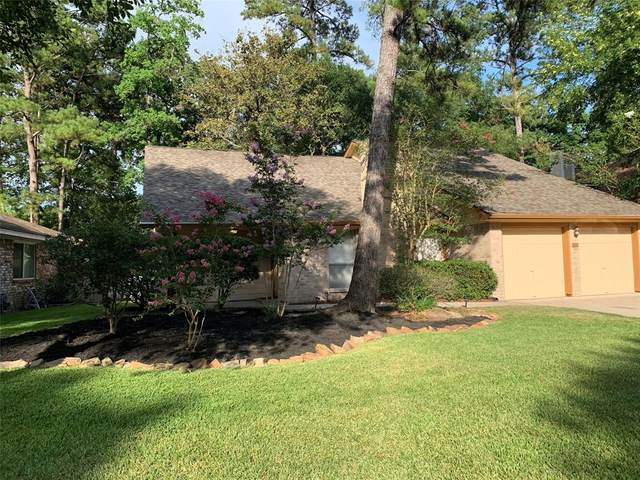 19 S Drifting Leaf Court, The Woodlands, TX 77380 (MLS #53101031) :: The Parodi Team at Realty Associates