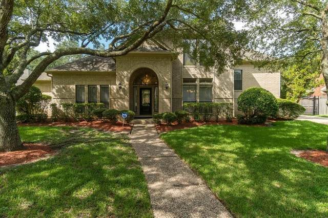 14214 Ridgewood Lake Court, Houston, TX 77062 (MLS #53172784) :: The SOLD by George Team