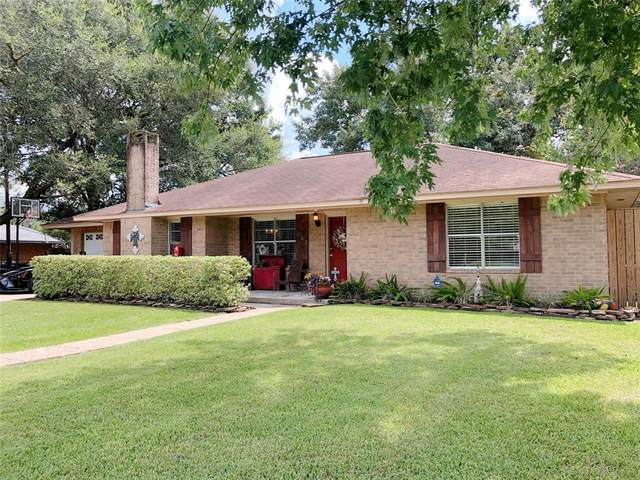 203 W Young Street, Dayton, TX 77535 (MLS #53184381) :: The SOLD by George Team