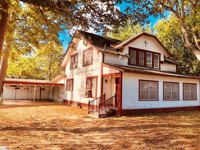 806 Baumgarten Street, Schulenburg, TX 78956 (MLS #53206480) :: The SOLD by George Team