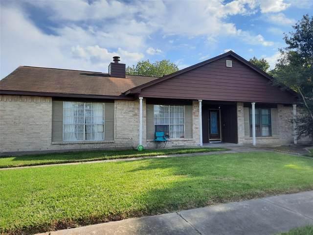 19331 Hollowlog Drive, Katy, TX 77449 (MLS #53237518) :: NewHomePrograms.com LLC