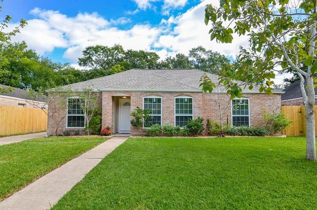 2207 Cherry Bend Drive, Houston, TX 77077 (MLS #53271621) :: My BCS Home Real Estate Group