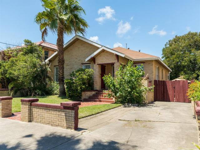 2402 Avenue O, Galveston, TX 77550 (MLS #53385566) :: The Heyl Group at Keller Williams