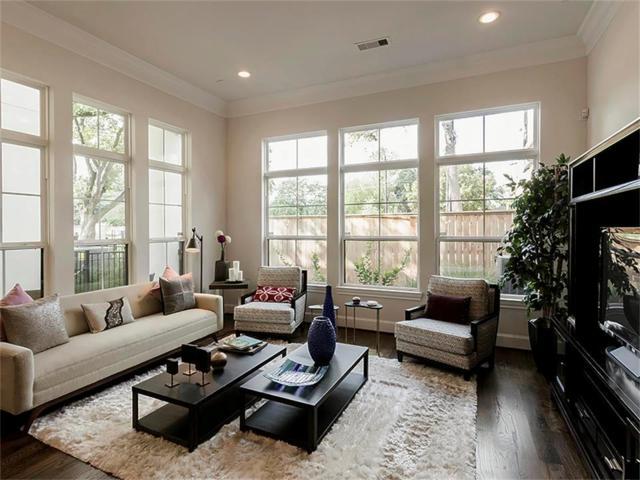 1611 West Side Springs Lane, Houston, TX 77055 (MLS #53402344) :: Texas Home Shop Realty