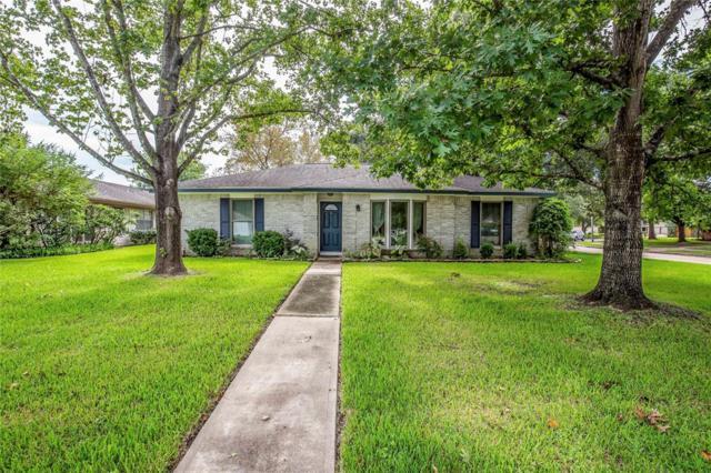 1502 Elmscott Drive, Sugar Land, TX 77498 (MLS #53415380) :: Fairwater Westmont Real Estate