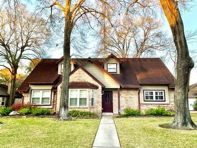 4319 Willow Hill Drive, Seabrook, TX 77586 (MLS #53424035) :: Ellison Real Estate Team