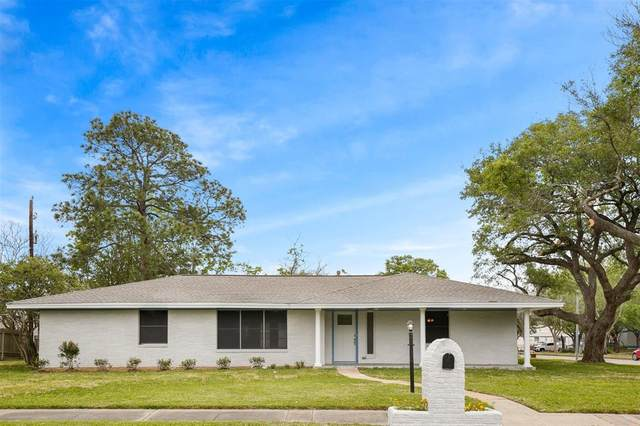 319 S Austin Street, Webster, TX 77598 (MLS #53432070) :: The Queen Team