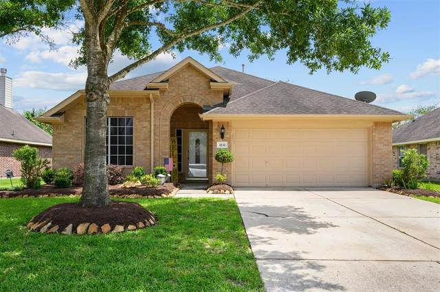 3232 Rippling Falls Lane, Dickinson, TX 77539 (MLS #53440305) :: Texas Home Shop Realty
