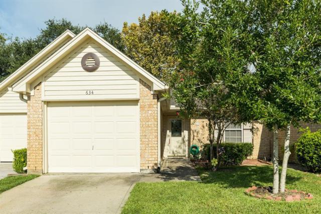 634 E Country Grove Circle, Pearland, TX 77584 (MLS #53578413) :: The Johnson Team