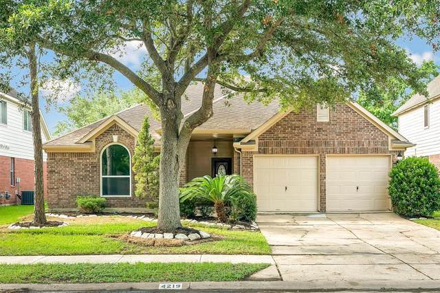 4219 N Webber Drive, Pearland, TX 77584 (MLS #53660147) :: The SOLD by George Team