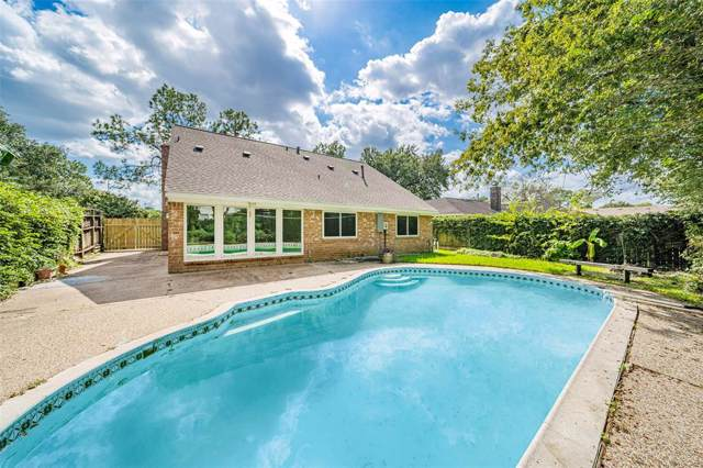 16003 Hickory Knoll Drive, Houston, TX 77059 (MLS #53671533) :: The SOLD by George Team
