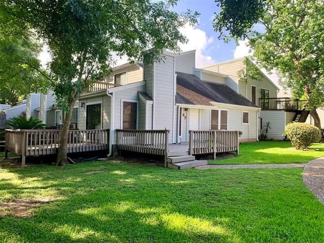 57 Hideaway Drive, Friendswood, TX 77546 (MLS #53699291) :: The SOLD by George Team