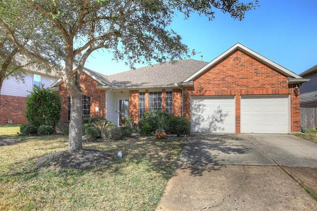 1753 Silver Bend Drive, Dickinson, TX 77539 (MLS #53927335) :: Green Residential