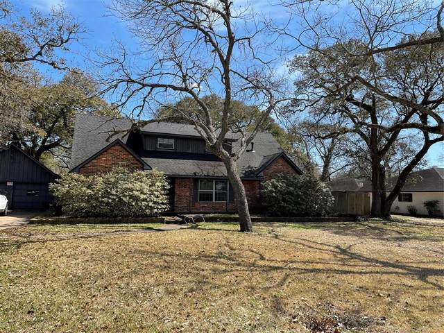 105 Cedar Street, Lake Jackson, TX 77566 (MLS #53956460) :: Homemax Properties