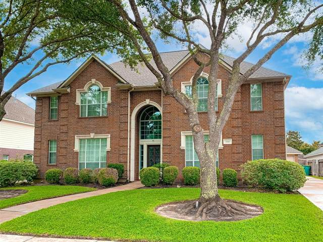 3310 Frostwood Drive, Pearland, TX 77584 (MLS #54018352) :: Christy Buck Team