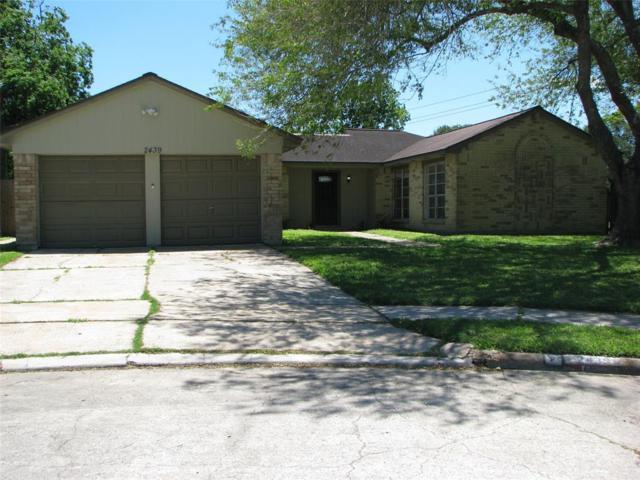 2439 Heritage Bend Drive, Webster, TX 77598 (MLS #54139823) :: The Kevin Allen Jones Home Team