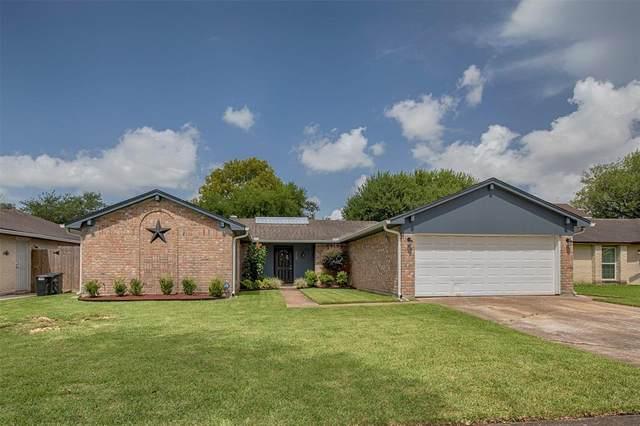17330 Herrnhut Drive, Webster, TX 77598 (MLS #54254407) :: Ellison Real Estate Team