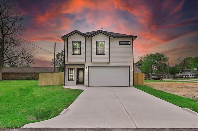 203 E Kay Street, Dayton, TX 77535 (MLS #54489136) :: The SOLD by George Team