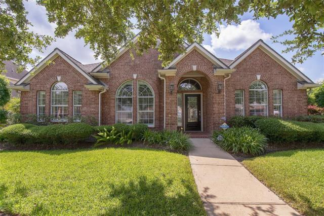 325 Overlook Drive, Friendswood, TX 77546 (MLS #54491729) :: Ellison Real Estate Team